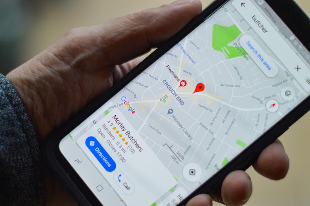 google_maps_on_phone